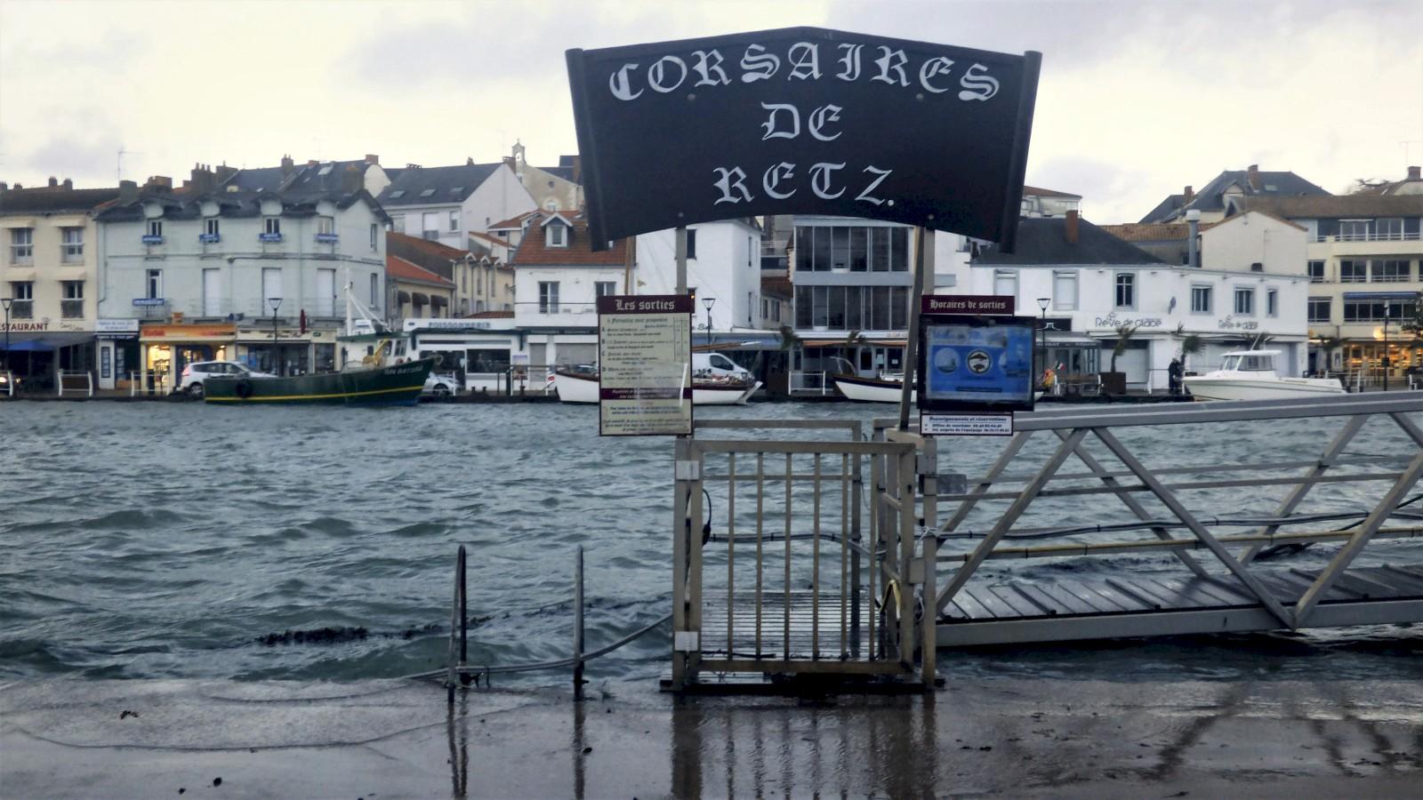 Le port de Pornic déborde à cause de la tempête