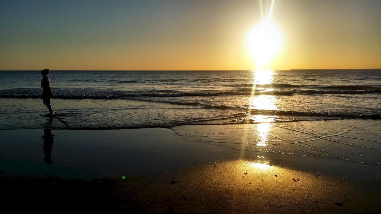 Le soleil se couche à Tharon-Plage